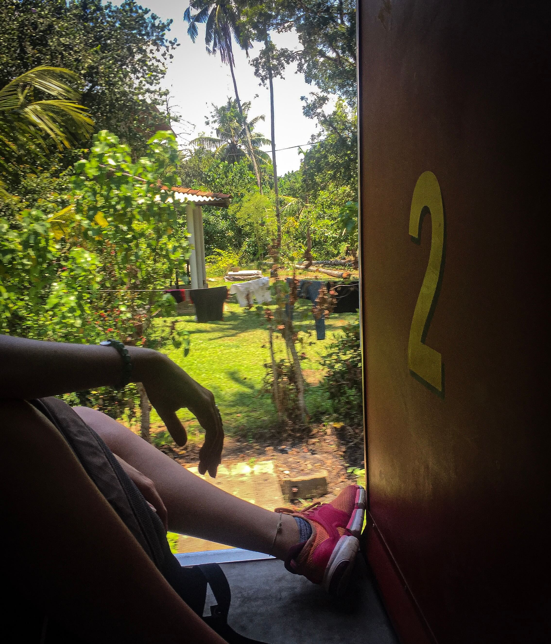 Hikkaduwa to Colombo